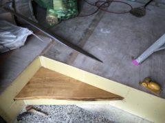 天然木材の式台と化粧梁